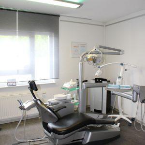 Behandlungszimmer-Eins-04